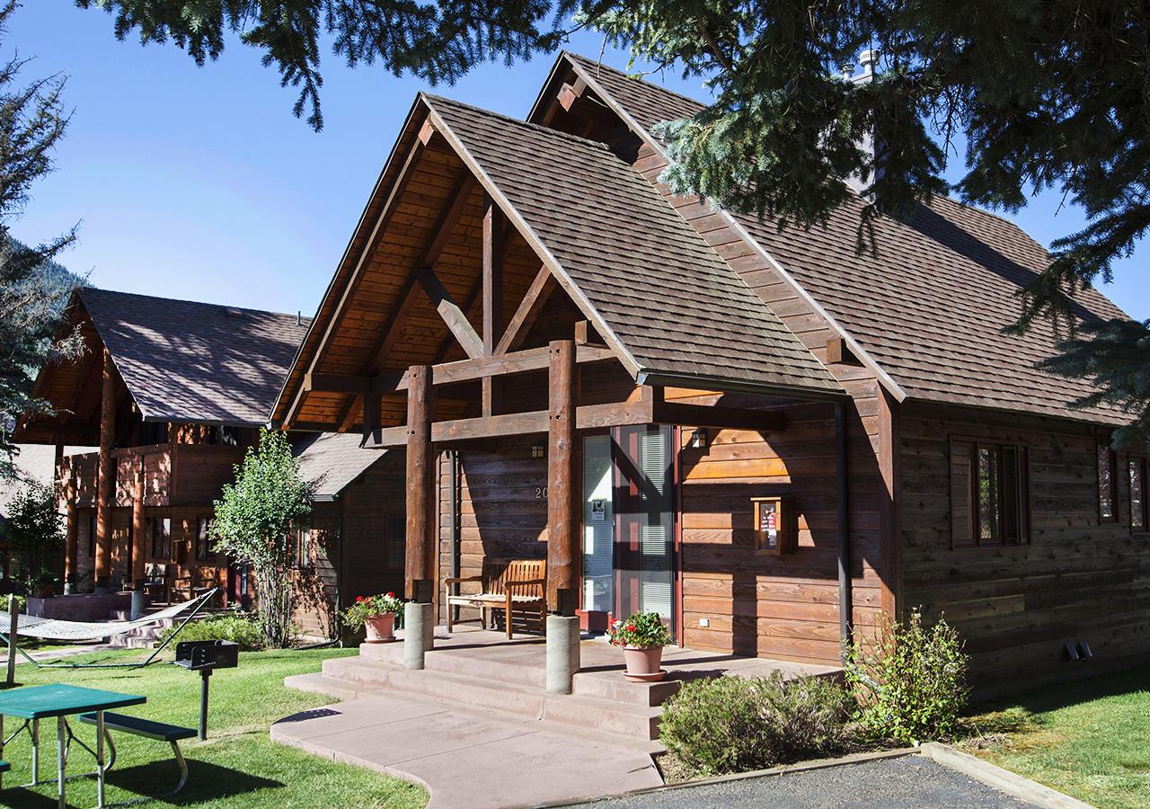 Rams Horn Village Resort - Luxury Cabins in Estes Park, Colorado